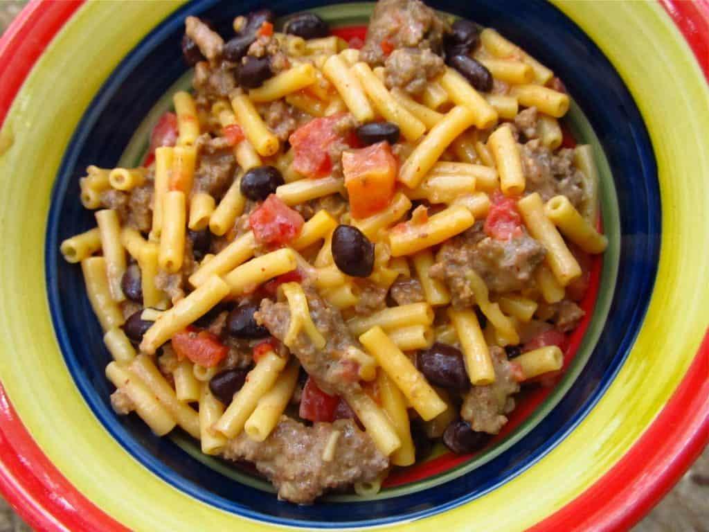 Bowl of Kraft chili mac.