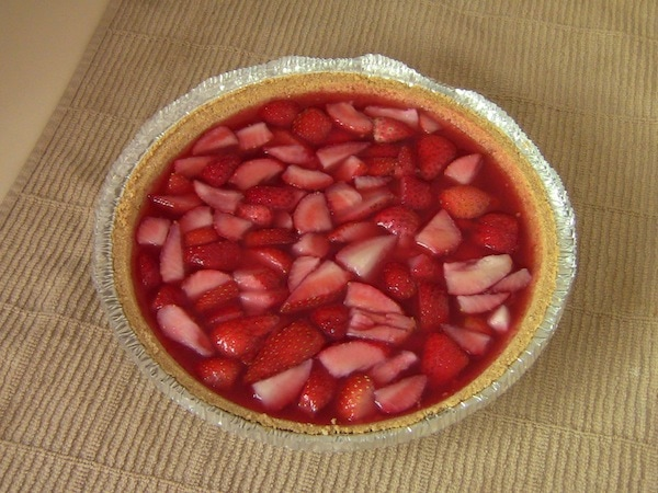 Easy Strawberry Jello Pie