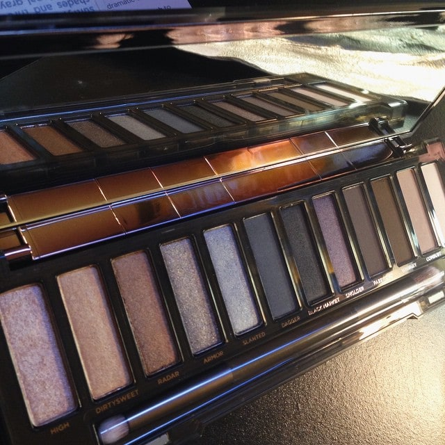 BEHOLD! Urban Decay NakedSmoky Of course it arrives after Ivehellip