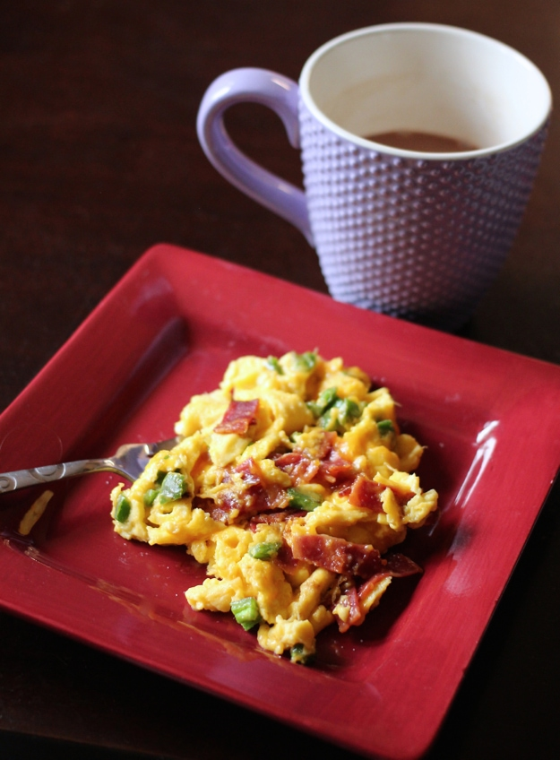 Bacon Jalapeno Cheddar Egg Scramble