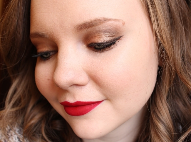 Holiday Makeup: Gold Eyes and a Red Lip
