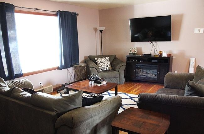 Sensational Living Room Updates Kelsey Smith Dailytribune Chair Design For Home Dailytribuneorg