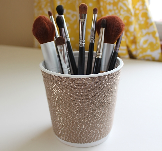 Yarn Wrapped Brush Holder DIY